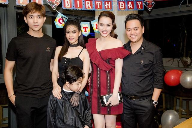 Trang Nhung và chồng
