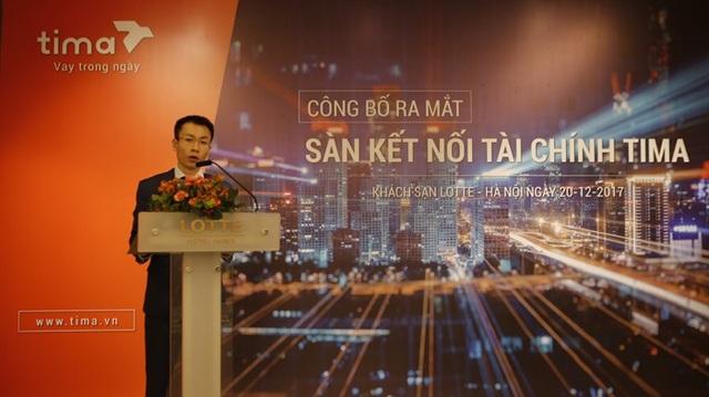 Ông Nguyễn Văn Thực, Tổng giám đốc Tima, giới thiệu trải nghiệm ứng dụng