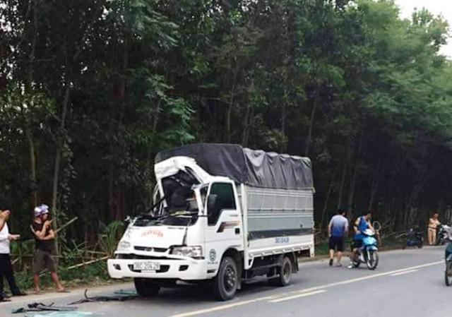 Hiện trường 1 vụ TNGT xảy ra ở Thanh Hóa trong kỳ nghỉ lễ (ảnh: Trần Lê)