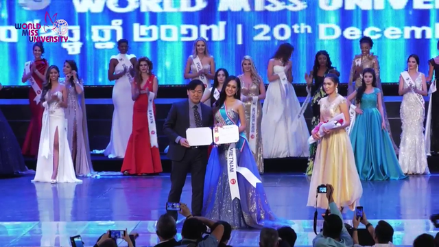Nữ sinh Việt giành giải Phong thái cuộc thi Hoa khôi các trường ĐH thế giới - 4