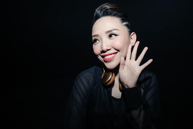 Tóc Tiên chia sẻ, khác với trên sân khấu, ở ngoài đời cô cũng nhiều lúc bánh bèo như biết bao cô gái khác.