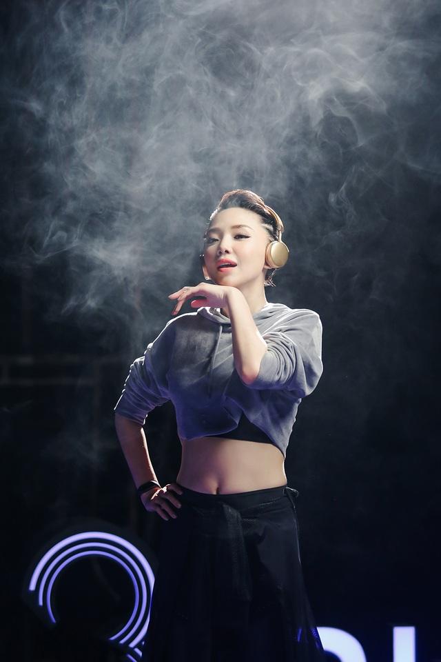 Đã có lúc Tiên chán chường muốn từ bỏ nhưng âm nhạc chưa một ngày rời bỏ cô.