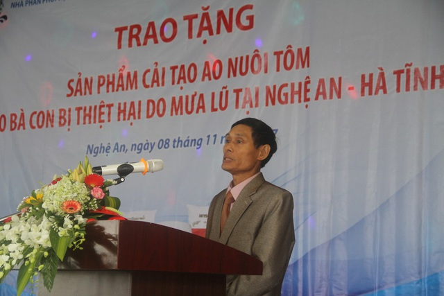 Đại diện người dân gửi lời cảm ơn tới Công ty Sitto Việt Nam và trường Đại học Vinh.