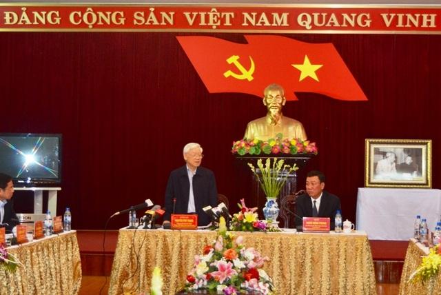 Tổng Bí thư Nguyễn Phú Trọng làm việc với Ban thường vụ Tỉnh ủy Nam Định
