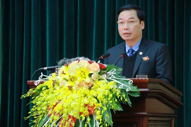 Ông Tống Quang Thìn - Phó Chủ tịch UBND tỉnh Ninh Bình trả lời ý kiến chất vất liên quan đến dự án Trung tâm thể dục thể thao và dịch vụ Thành Nam xây dựng không phép.