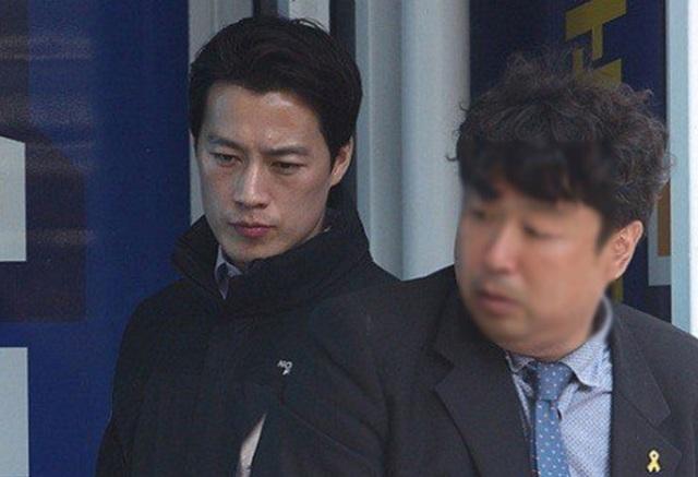 Đội vệ sĩ của Choi Young-jae bảo vệ Tổng thống Moon hoàn toàn trên tinh thần tự nguyện và không nhận khoản thù lao nào (Ảnh: Korea Times)