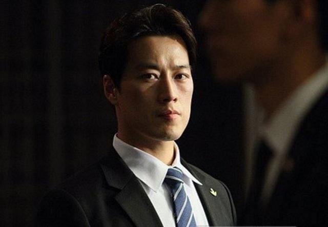 Choi Young-jae từng tham gia nhiều chiến dịch quân sự và bảo vệ các nhân vật quan trọng (Ảnh: Korea Times)