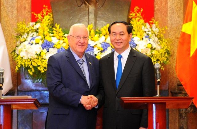 Hai nhà lãnh đạo khẳng định quyết tâm tăng cường quan hệ hợp tác song phương trên nhiều lĩnh vực, đặc biệt là kinh tế và khoa học - công nghệ