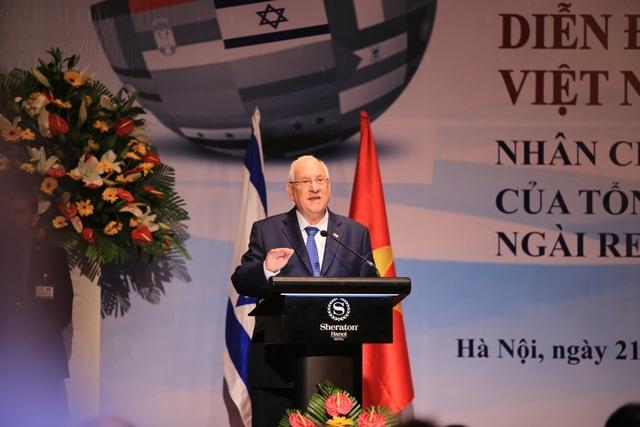Tổng thống Israel Reuven Ruvi Rivlin phát biểu tại Diễn đàn Doanh nghiệp Việt Nam-Israel sáng nay tại Hà Nội
