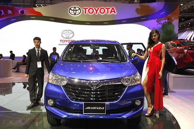 Toyota Avanza xuất hiện tại Việt Nam lần này là phiên bản 7 chỗ, với chiều dài hơn 4,1m, thua Innova khoảng 50cm.