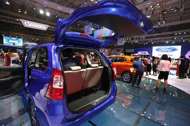 Ở phân khúc MPV cỡ nhỏ, nếu được phân phối tại Việt Nam, Toyota Avanza có đối thủ trực tiếp là Suzuki Ertiga và KIA Rondo, hai mẫu xe có trang thiết bị phong phú hơn hẳn.