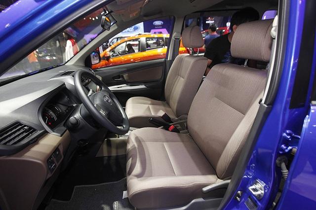 Toyota Avanza có nội thất nỉ