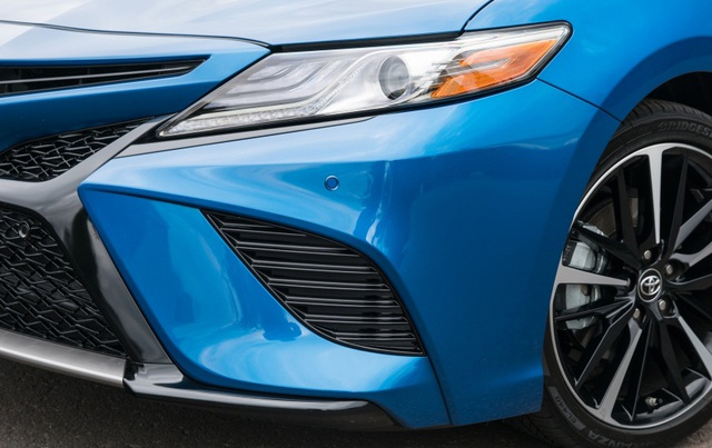 Toyota Camry 2018 tại Mỹ có gì? - 7