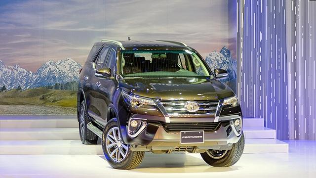 Toyota Fortuner mới có nhiều thay đổi về ngoại thất