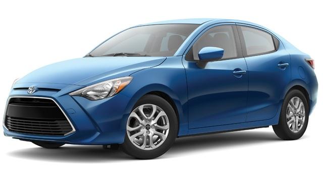 Xe mini: Toyota Yaris iA - Mẫu xe này do Mazda phát triển (về cơ bản giống Mazda2 sedan), ra mắt dưới thương hiệu Scion, và sau đó chuyển thành Toyota do hãng xe Nhật Bản khai tử Scion.