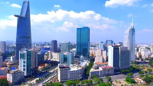 TP.HCM dù có số thu ngân sách cao nhất cả nước nhưng lại được đầu tư ngân sách thấp hơn 2 lần so với Hà Nôi, biểu hiện rõ nhất là giao thông yếu kém