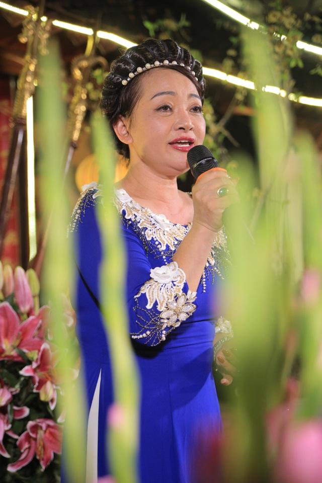Nghệ sỹ Trà My gây xúc động với nhiều ca khúc trữ tình.