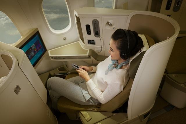 Hành khách hạng Thương gia trên chặng bay Hà Nội - TPHCM được nâng cấp dịch vụ