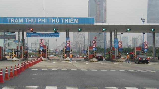 Trạm thu phí Thủ Thiêm thuộc dự án đường hầm sông Sài Gòn bị bỏ hoang nhiều năm