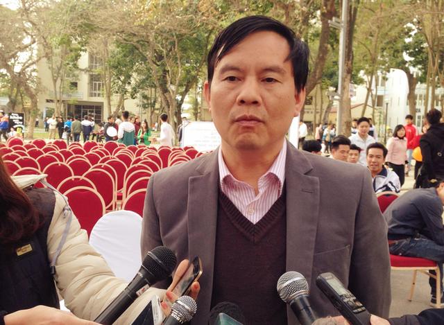 Cục phó Cục khảo thí và Kiểm định Chất lượng Giáo dục, Bộ GD&ĐT Trần Văn Nghĩa trả lời phỏng vấn.