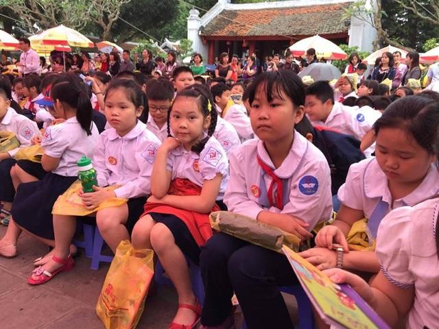 Ngoài học sinh Hà Nội, có học sinh 14 tỉnh thành khác tham gia