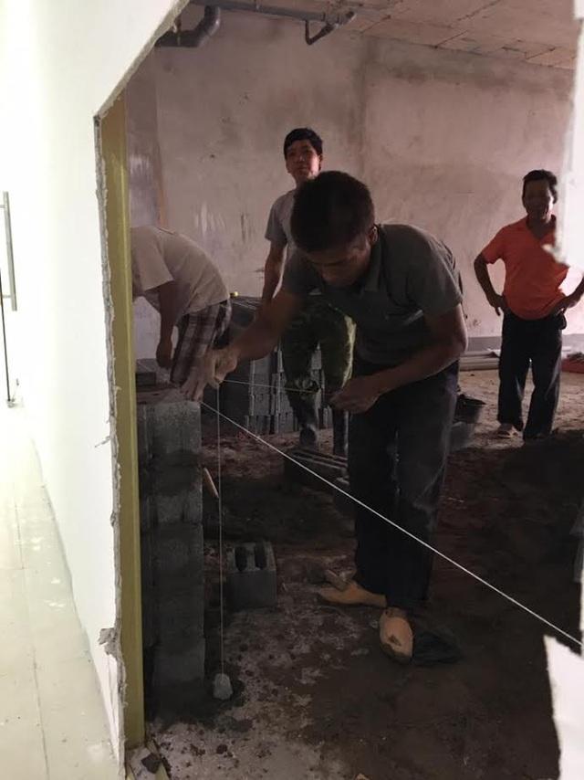 Nhóm thợ vẫn thi công theo lệnh của CĐT