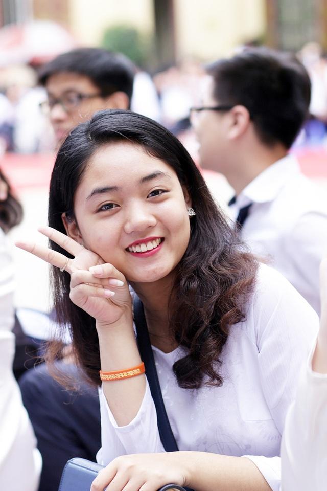 Trường THPT Trần Phú – Hoàn Kiếm vốn được biết đến với nhiều nữ sinh xinh đẹp, học giỏi