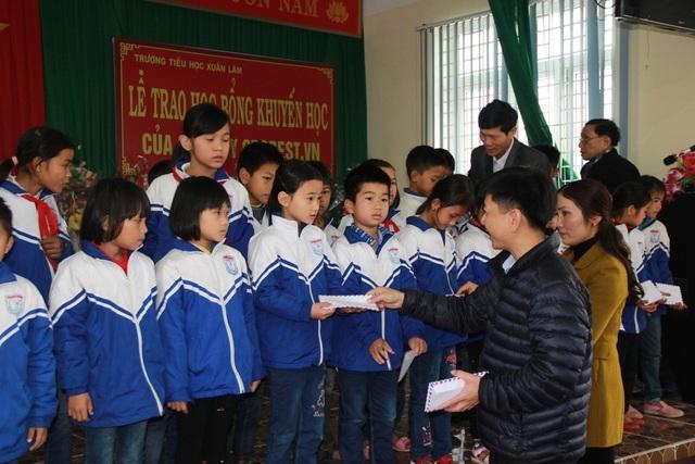 150 suất học bổng Grobest Việt Nam đến với học sinh nghèo vượt khó Thanh Hóa - 2