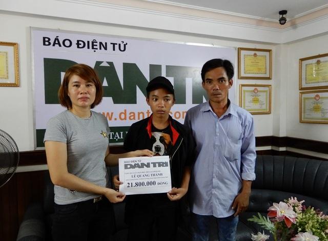 PV báo Dân trí tại Đà Nẵng trao quà bạn đọc giúp đỡ em Lê Quang Thành