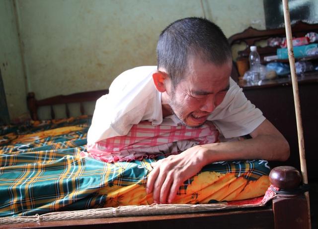 Anh Tuấn đau đớn, quằn quại vì căn bệnh hiểm nghèo