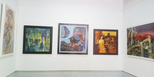 Một góc của triển lãm tranh