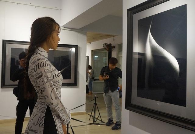 Khán giả kinh ngạc trước vẻ đẹp trong tranh khỏa thân của Hạo Nhiên - 6