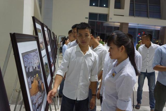 Buổi lễ thu hút nhiều học sinh, sinh viên đến tham dự