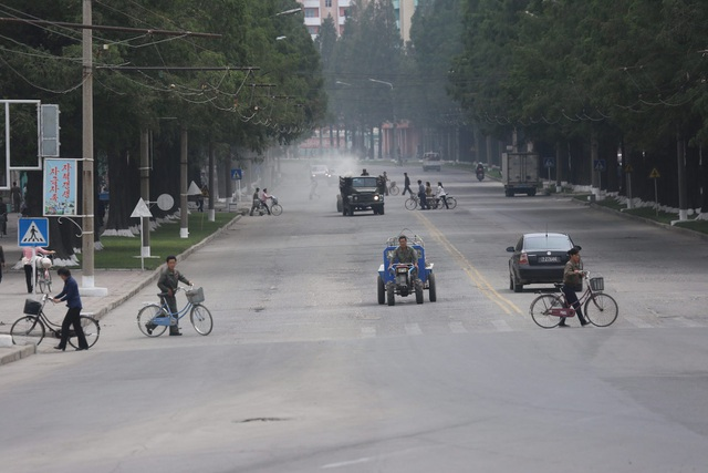 Một trong số các tuyến đường chính ở Hamhung - thành phố lớn thứ 2 ở Triều Tiên (Ảnh: Pierre Depont/NK News)