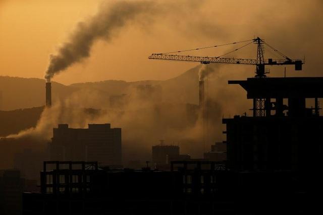 Thủ đô Bình Nhưỡng vẫn là nơi tập trung nhiều dự án xây dựng tại Triều Tiên. Trong ảnh: Một công trường xây dựng tại Bình Nhưỡng vào buổi xế chiều.