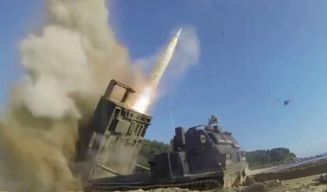 Quân đội Mỹ và Hàn Quốc cũng từng rầm rộ tập trận tên lửa hôm 4/7 ngay sau khi Triều Tiên tuyên bố phóng thử thành công tên lửa đạn đạo liên lục địa đầu tiên. (Ảnh: Reuters)