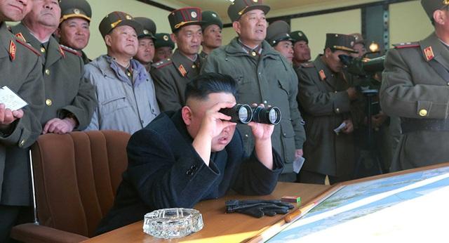 Nhà lãnh đạo Triều Tiên Kim Jong-un trong một cuộc thị sát (Ảnh minh họa: Reuters)