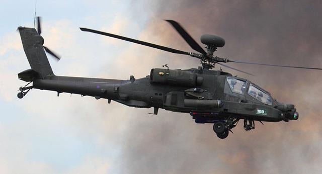 Máy bay trực thăng Apache (Ảnh: Sputnik)