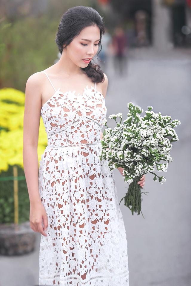 Nữ sinh tài sắc vẹn toàn khoe vẻ đẹp trong trẻo ngày Xuân - 10