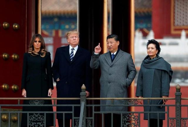 Chủ tịch Trung Quốc Tập Cận Bình và phu nhân Bành Lệ Viện đón tiếp Tổng thống Trump và phu nhân Melania tại Tử Cấm Thành.