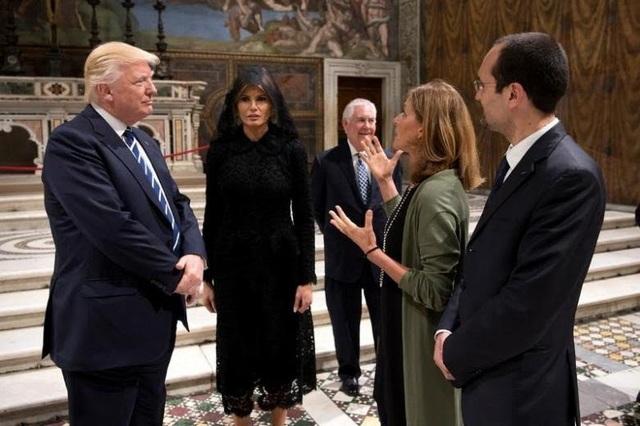 Tổng thống Trump và phu nhân Melania trong chuyến thăm Vatican ngày 24/5 (Ảnh: Reuters)