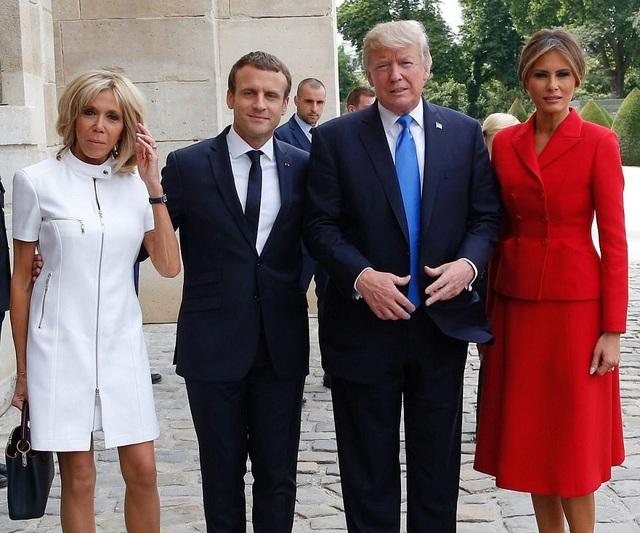 Họ đã cùng nhau chụp ảnh lưu niệm. (Ảnh: Reuters)