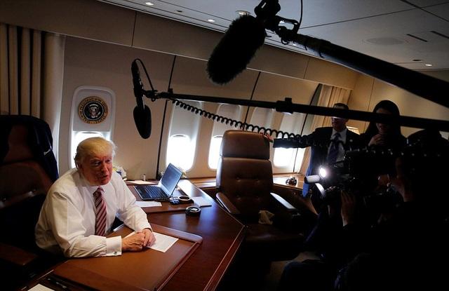 Một chiếc máy bay rất đẹp và tuyệt vời, ông Trump nói về chuyên cơ Không lực Một. (Ảnh: Reuters)