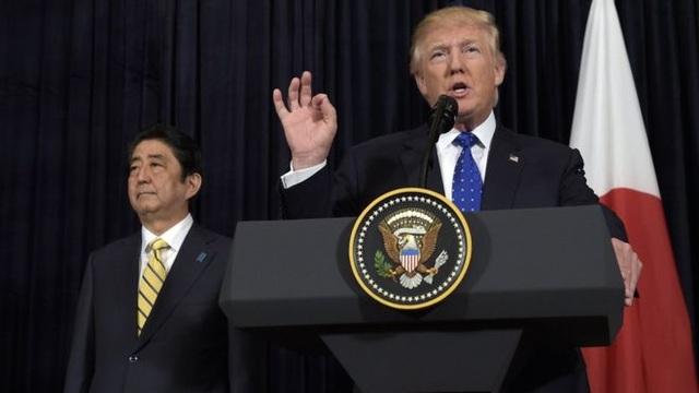 Tổng thống Mỹ Donald Trump và Thủ tướng Nhật Bản Shinzo Abe (Ảnh: AP)