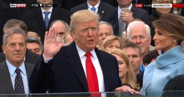 Ông Trump tuyên thệ nhậm chức (Ảnh chụp màn hình)