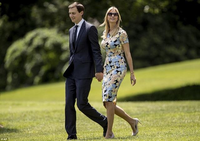 Tháp tùng Tổng thống Trump trong chuyến công du nước ngoài đầu tiên còn có con gái lớn Ivanka, chàng rể Jared Kushner đồng thời là cố vấn cấp cao của Tổng thống. (Ảnh: AP)