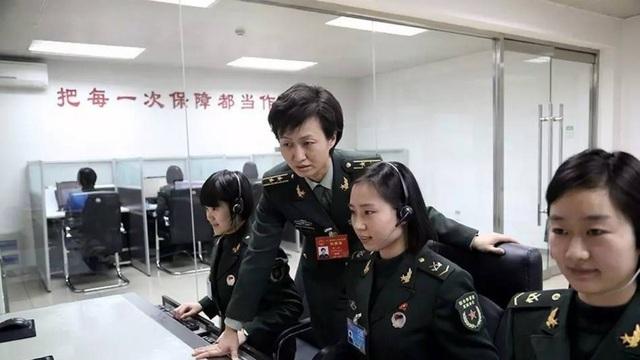 Đơn vị phụ trách thông tin liên lạc Trạm điều hành Kênh 1 của Trung Quốc chỉ gồm toàn nữ giới (Ảnh: SCMP)