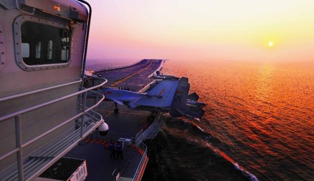 Tàu Liêu Ninh xuất cảng từ cuối tháng 6 và dự kiến cập cảng Hong Kong vào ngày 7/7. (Ảnh: China Military)