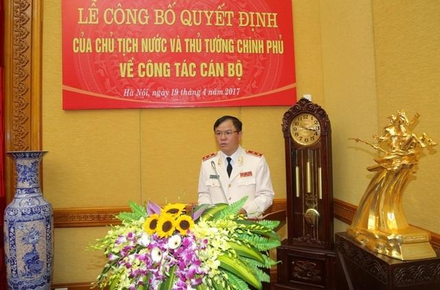 Trung tướng Trần Văn Vệ-Quyền Tổng cục trưởng Tổng cục Cảnh sát.