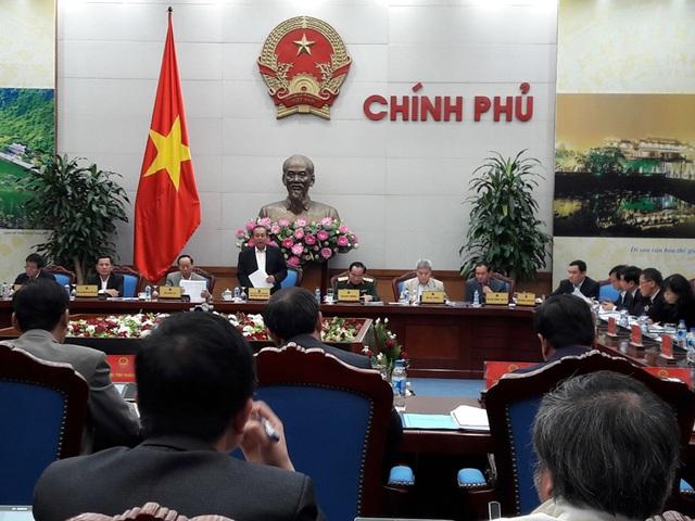 Phó Thủ tướng Trương Hoà Bình chủ trì cuộc họp bàn về nạn cát tặc lộng hành hiện nay.